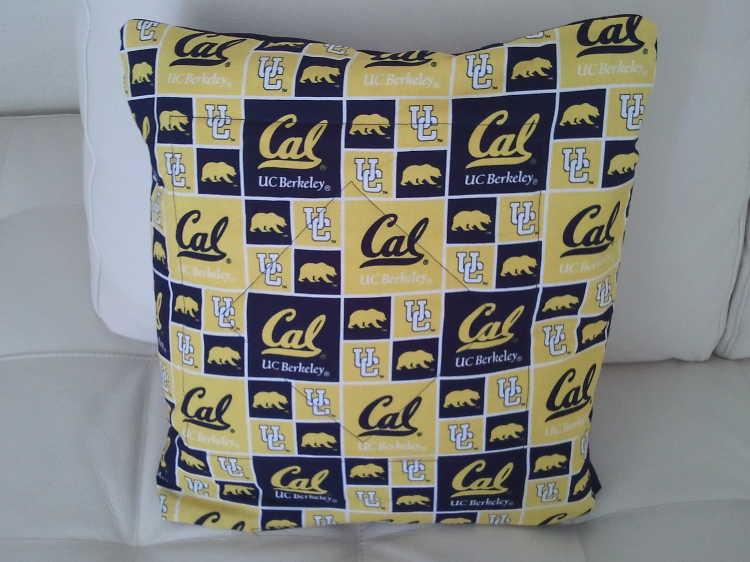 Cal Bears Quillow