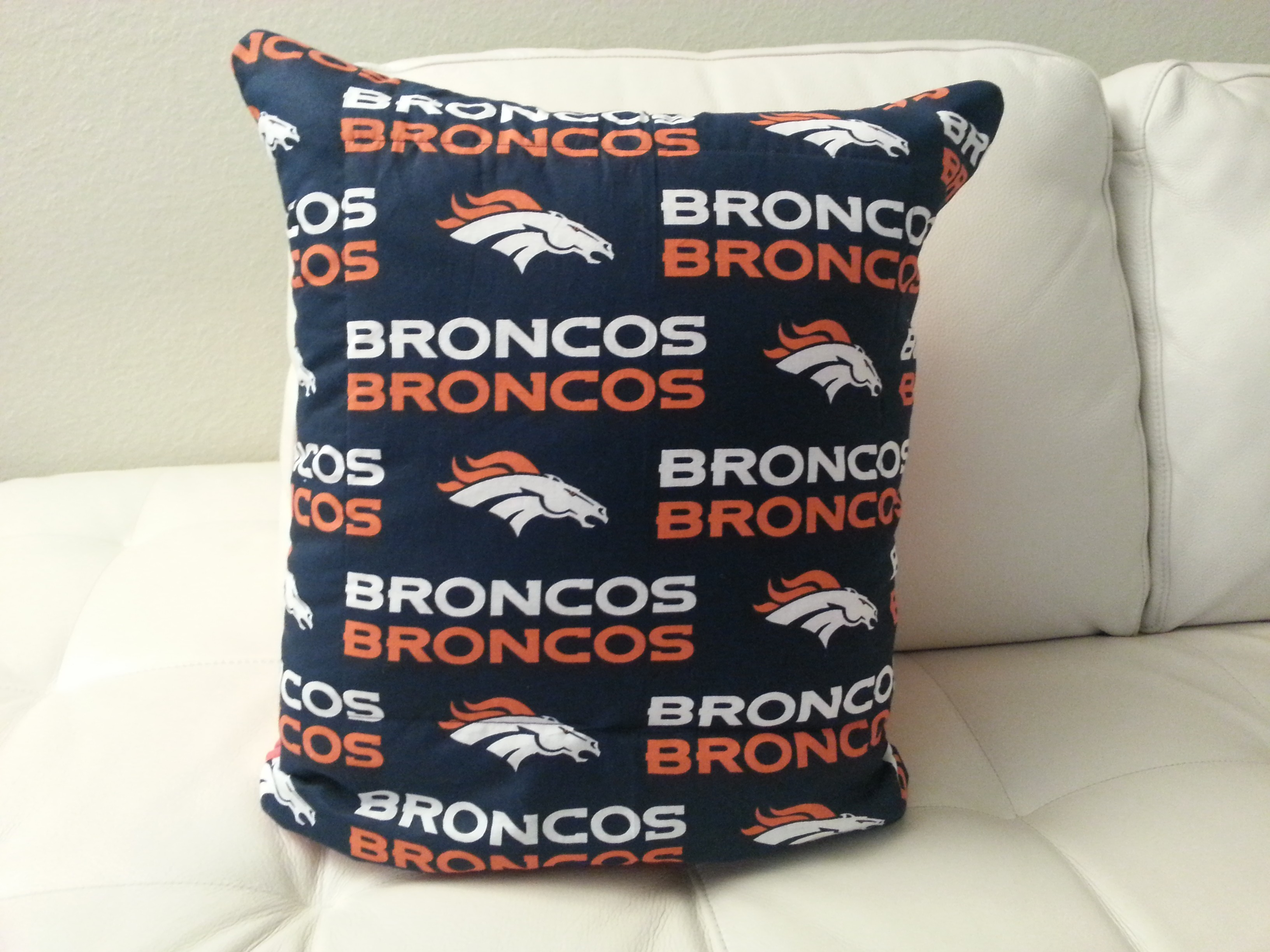 Denver Broncos Quillow