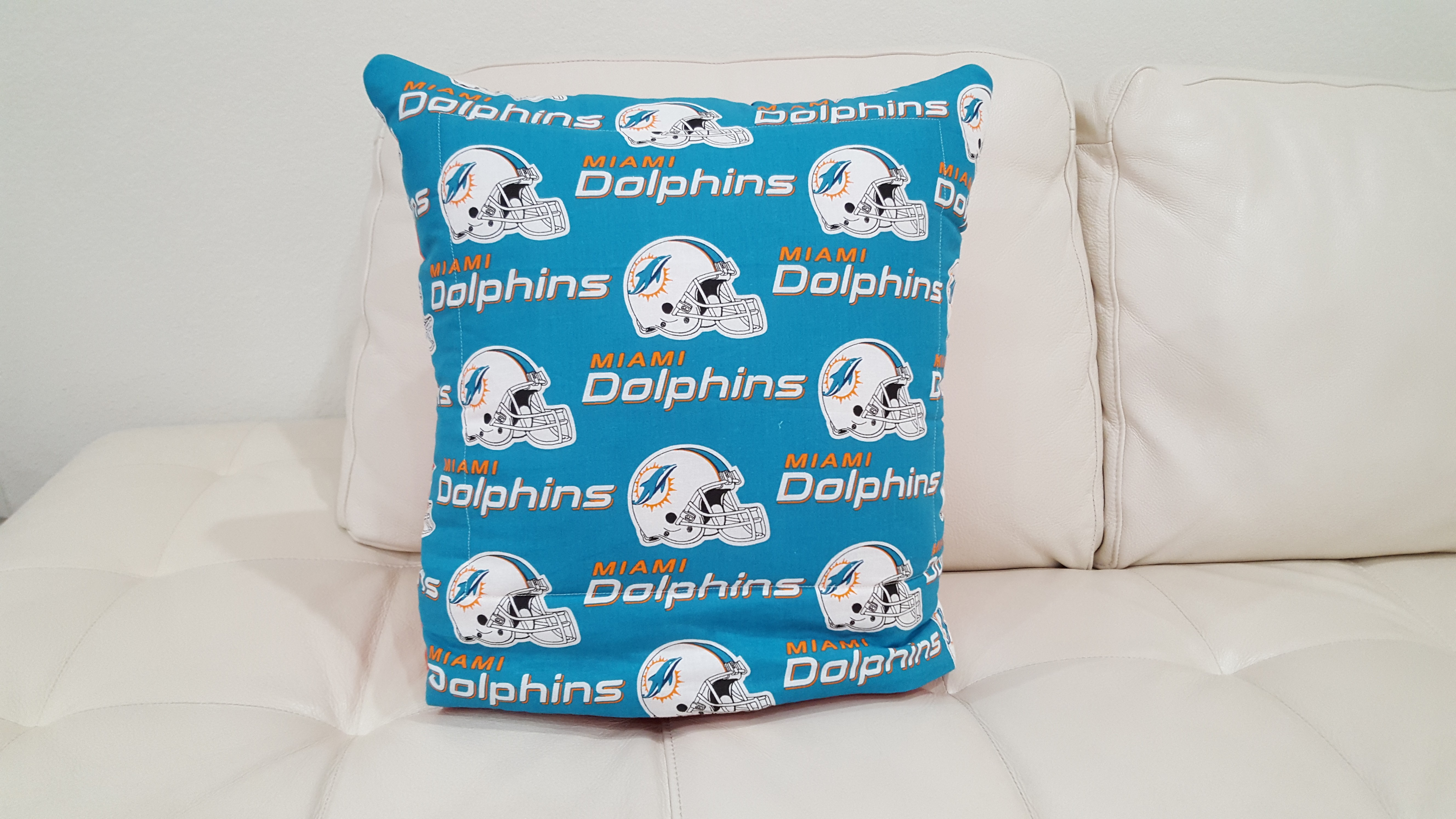 Miami Dolphins Quillow